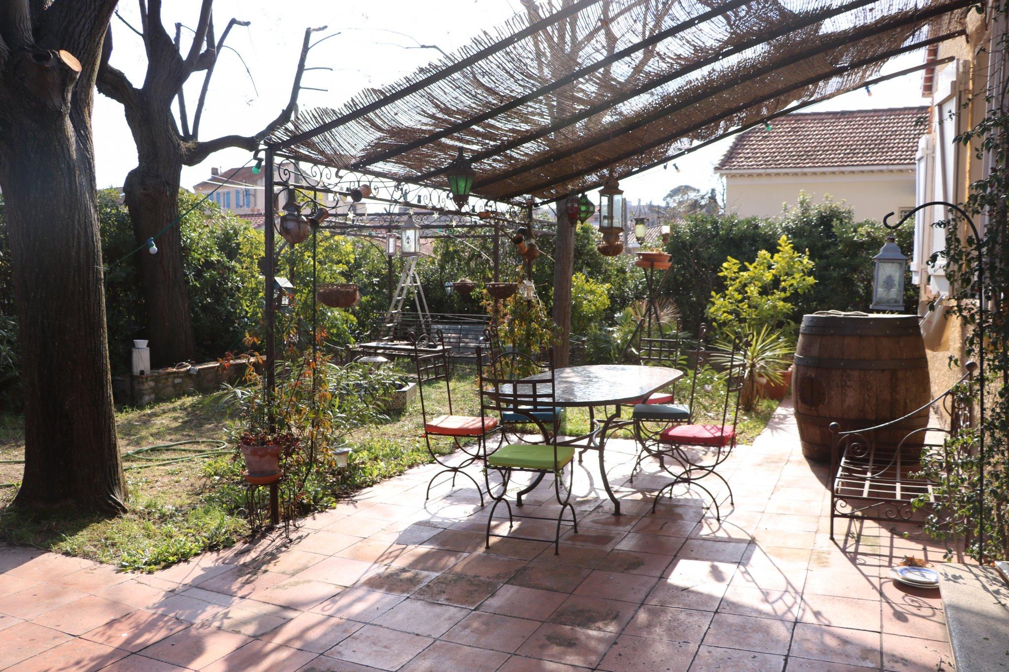 Vente achat maison villa toulon 83000 for Agence de vente