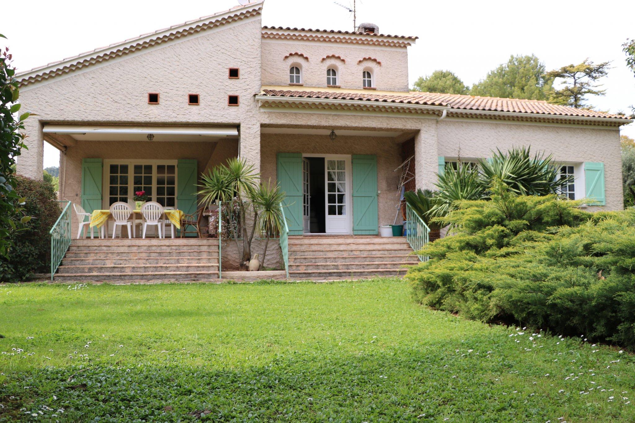 Maison-Villa - Solliès-Pont